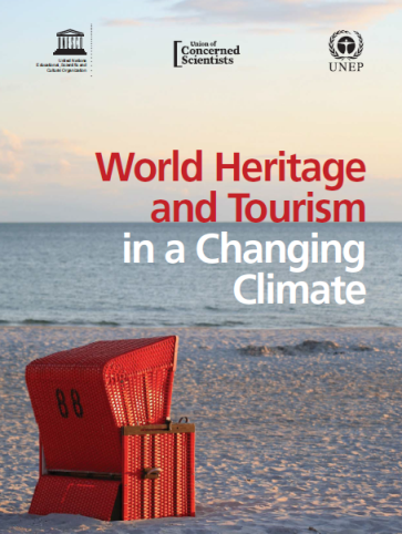 Capa da World heritage and tourism in a changing climate